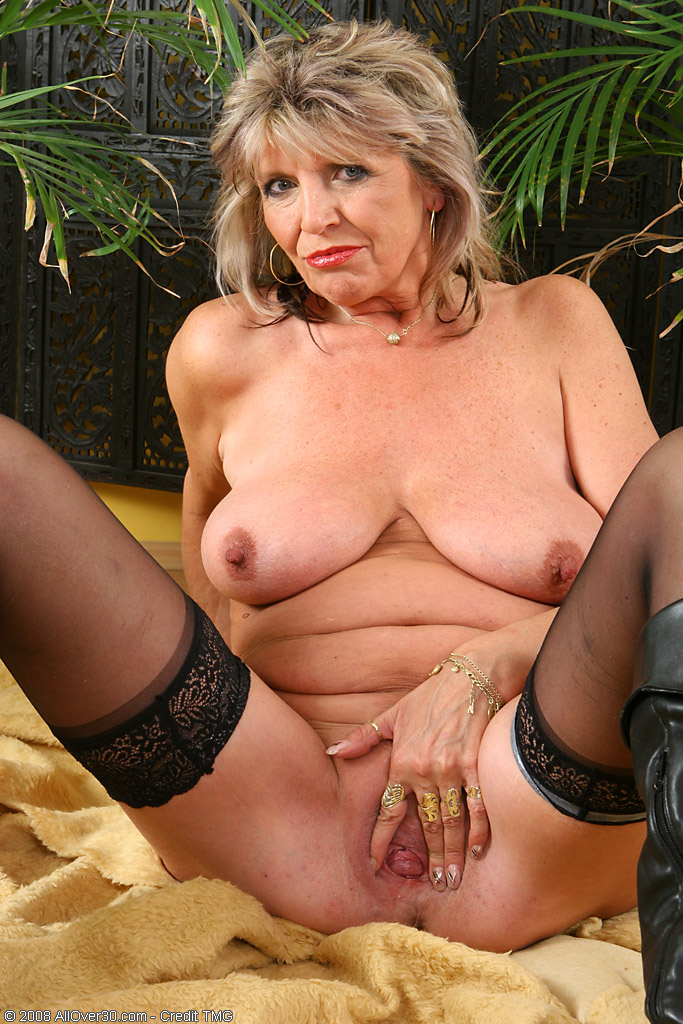 Free mature big natural tits videos